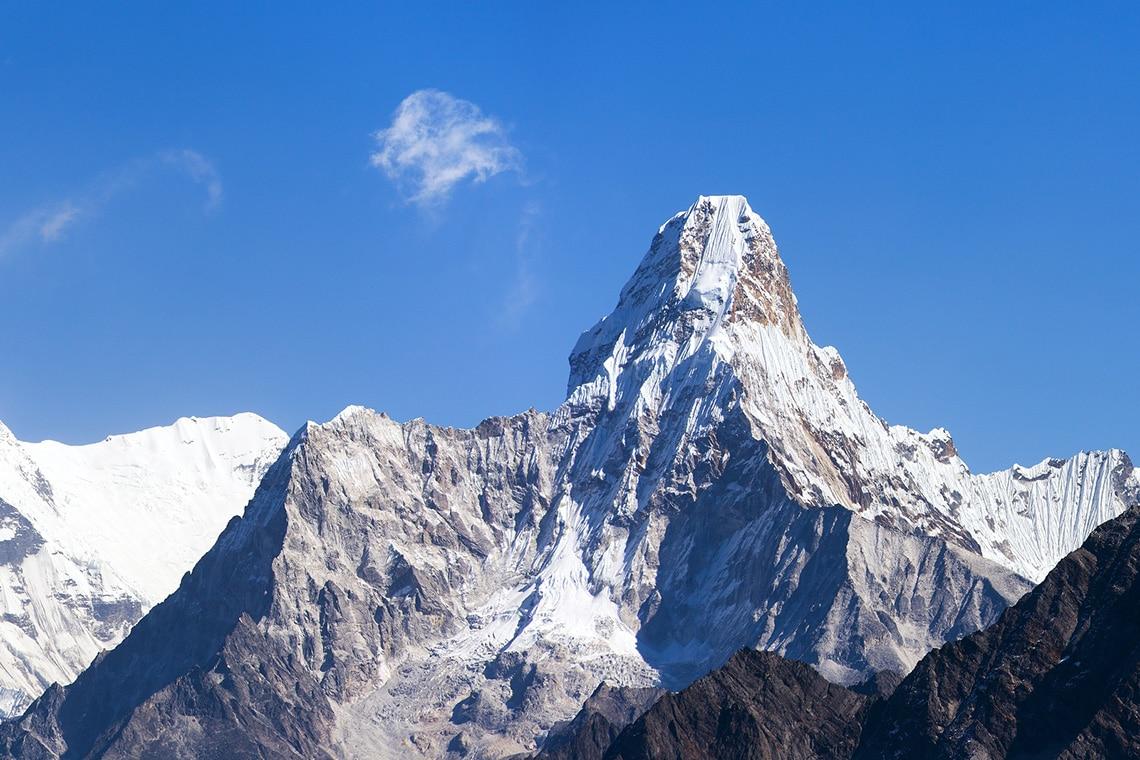 Mount-Ama-Dablam