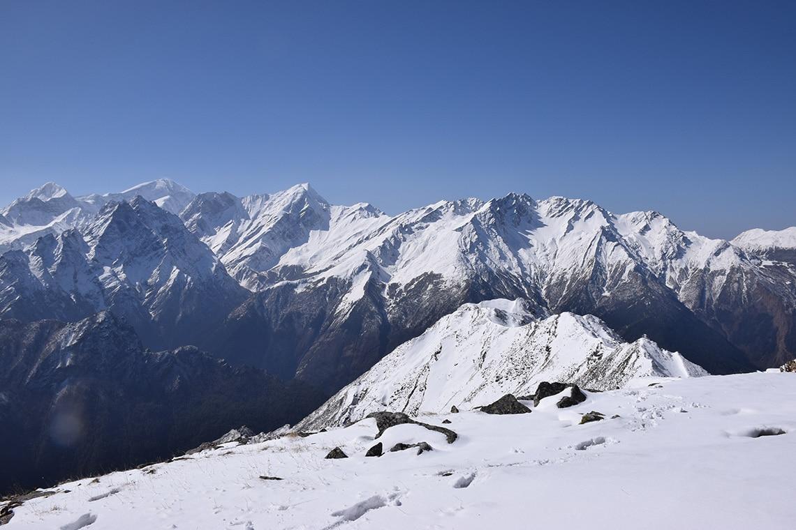 Peaks-from-Rishikund