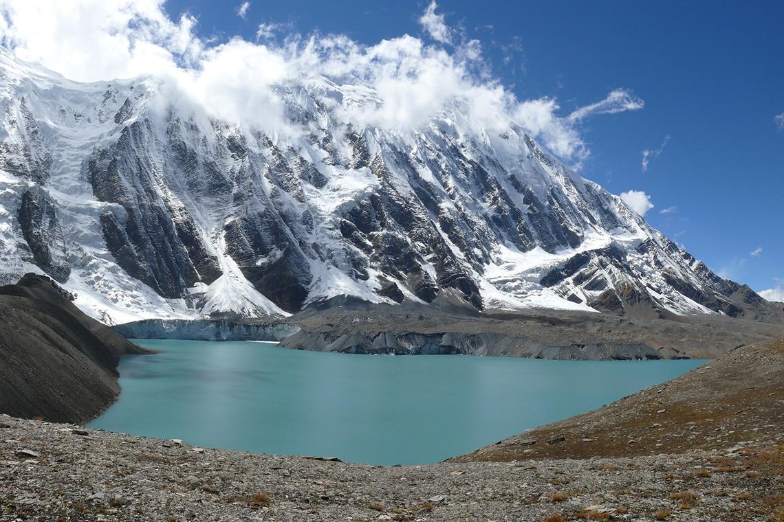 Wonderful-mountain-lake-Tilicho