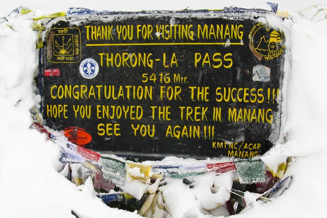 sign-at-the-top-of-Thorong-La-Pass